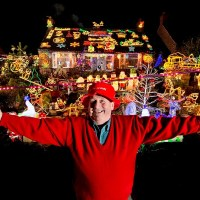 A British Eccentric - Eric Marshall and his home display of Christmas Lights