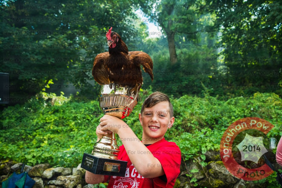 World Champion Hen 2014, won by Road Runner trained to glory by Harvey Keeley (10) from Burnside