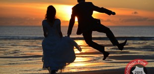 Devon wedding photographer - Bride and Groom Emma and Andrew in Woolacombe,