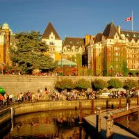 Fairmont Empress, view from the harbour
