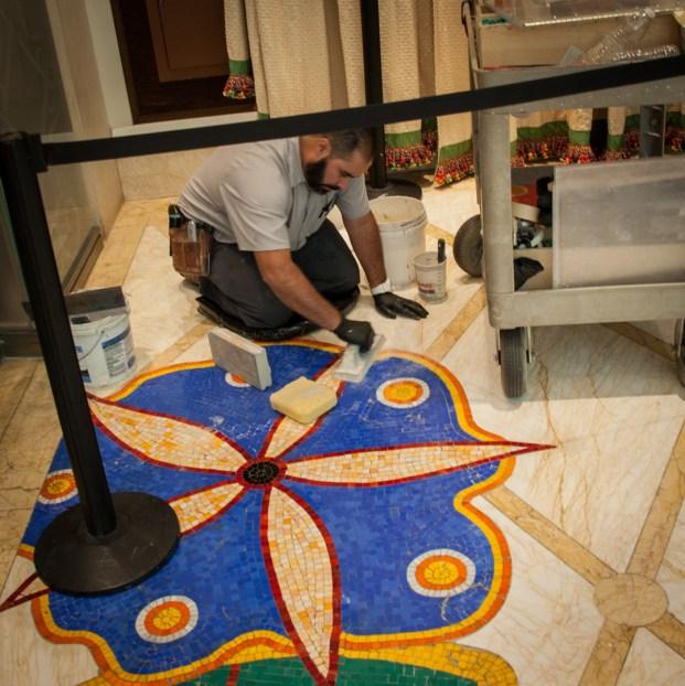 Poseur de Mosaiques à Las vegas