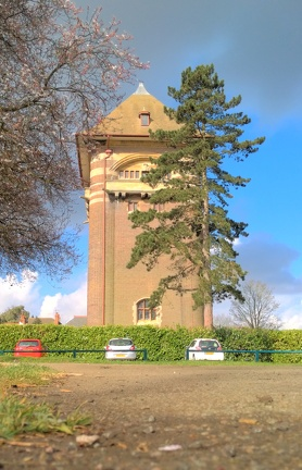 West Hill Tower 2015-03-24 -- The West Hill Water Tower, Luton