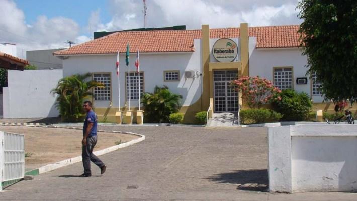 Gabinete do Prefeito ficou fechado para a visita do governador Wagner em Itaberaba - FOTO Jornal da Chapada 1