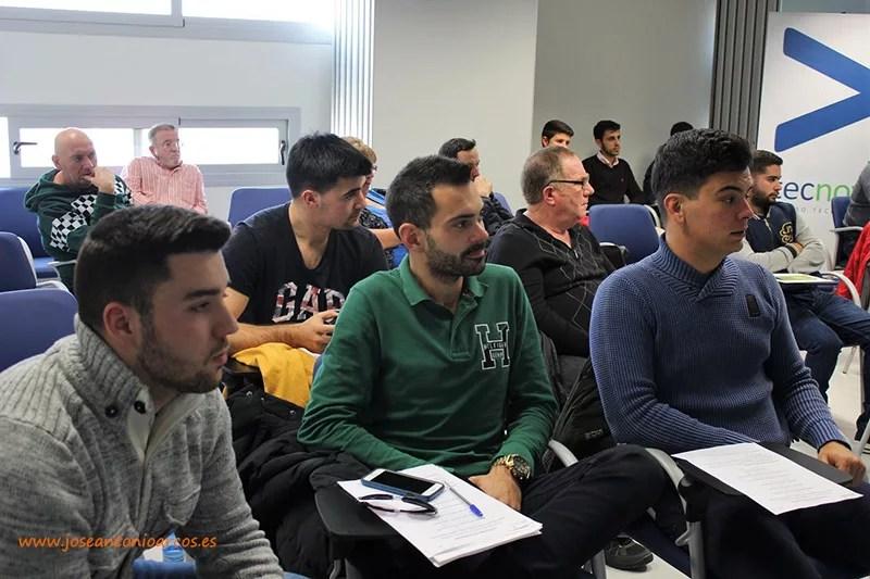 Alumnos de EFA Campomar en la jornada de caracoles celebrada en Tecnova