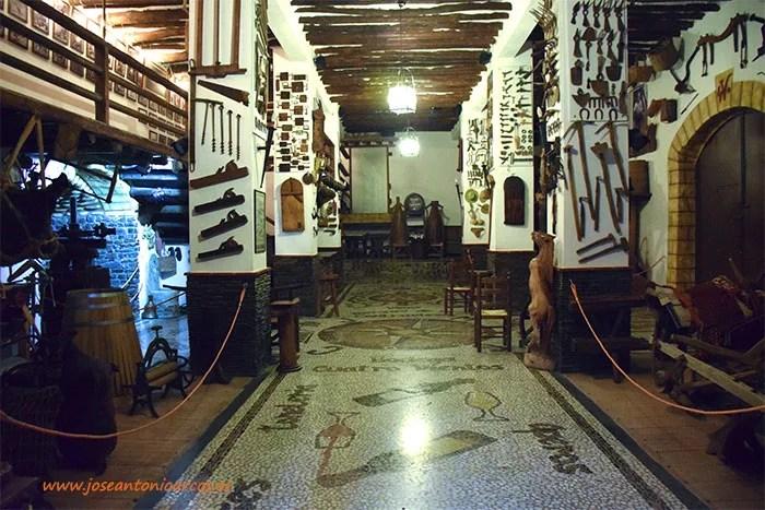 Bodega 'Cuatro Vientos' de Murtas en la Alpujarra de Granada. La Contraviesa y su cultura del trovo alpujarreño.