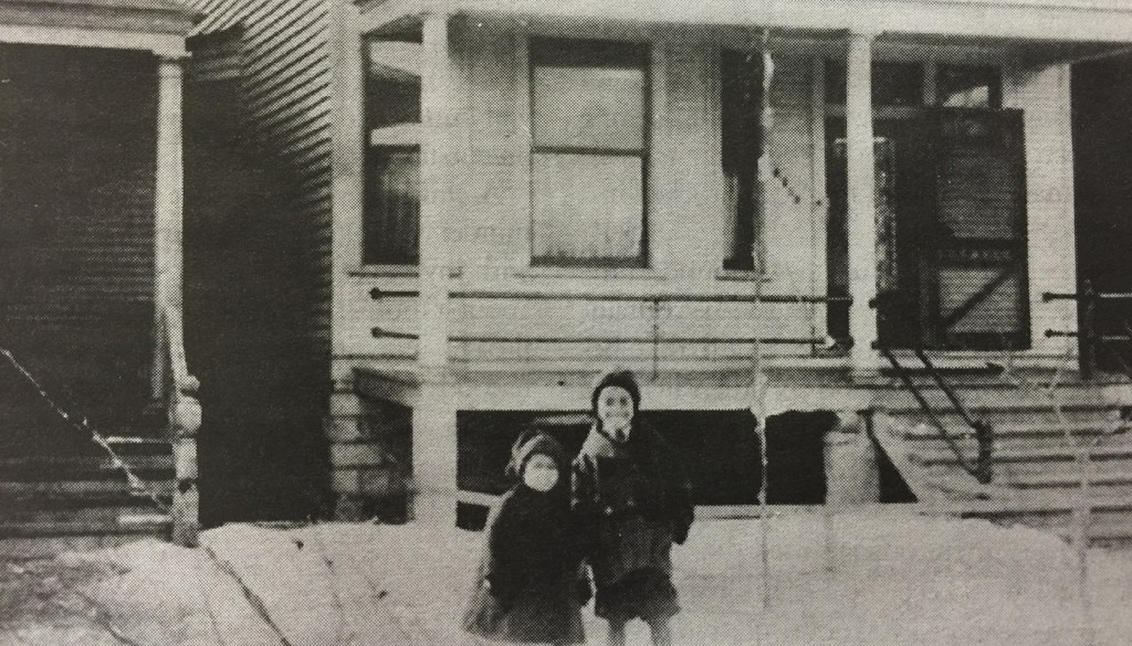 Ethel Payne with her brother Lemuel in front of the family's South Side home in Chicago, circa 1915. (Courtesy HarperCollins)