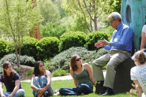 Roger Wilkins with George Mason University students in 2006 (Credit: George Mason University)
