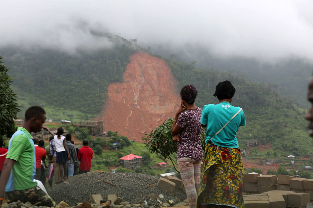 Hundreds are reported dead with many more missing after mudslides and floods tore through several communities in Freetown, Sierra Leone. (Credit: UNICEF)