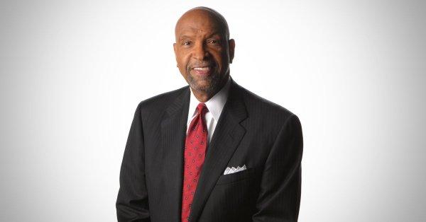 Legendary Chicago Anchor Warner Saunders Dies at 83