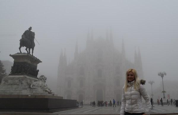Прежде чем приехать в Милан, мне пришлось 2 ночи провести в аэропорту. Уставшая, но счастливая