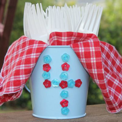 Quick 4th of July Utensil Holder with Buttons & Glue Dots
