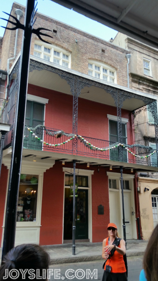 Mom & Daughter Trip to New Orleans Day 3 Part 1 #NOLA #NewOrleans #FrenchQuarter #tour #roadtrip #PiratesAlley