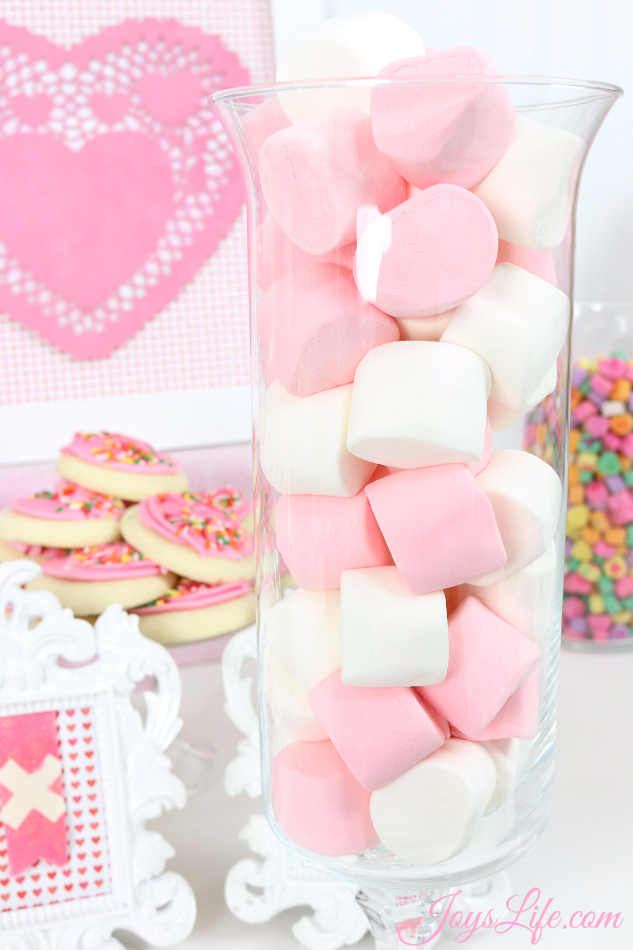 Valentine's Day Party Ideas Marshmallows #CapriSunParties #Ad