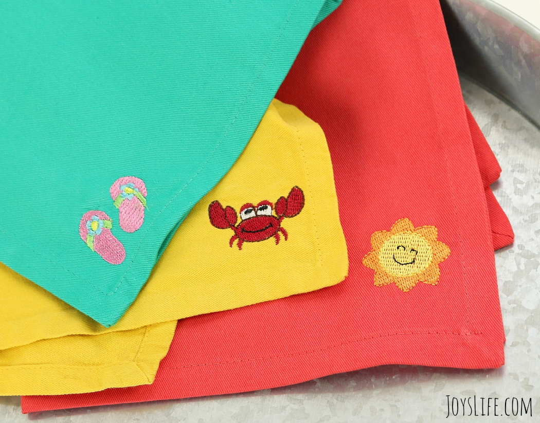Entertain this Summer with TruMoo Layered Popsicles & Embroidered Summer Napkins #TruMoo #ad