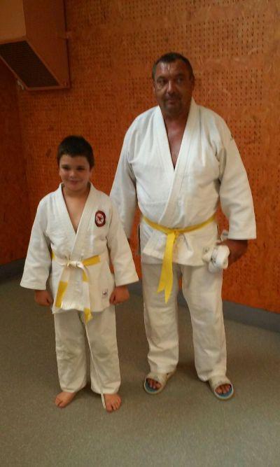Daniel et Nathan et leurs nouvelles ceintures