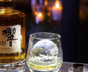 Ice-Sculptures-by-the-Sea-with-Suntory-Whisky