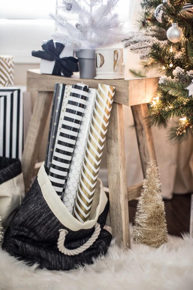 Easy Handmade Black and White Christmas Decor-4