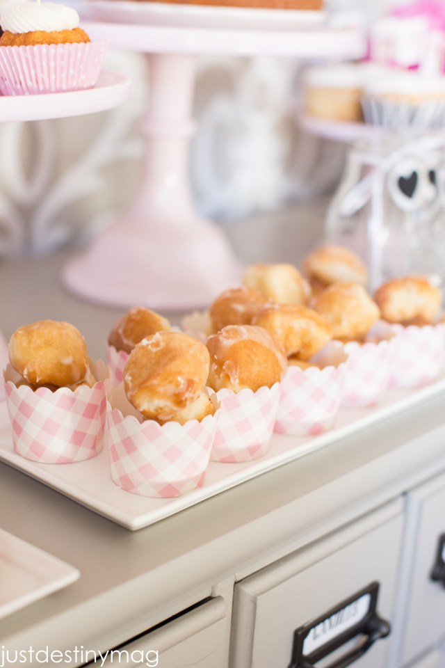 Donuts for a Dessert Table