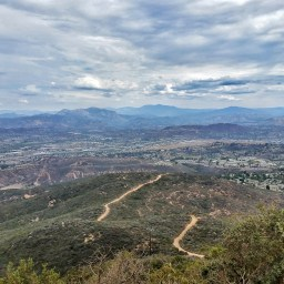 Hiking Cowles Mountain in San Diego