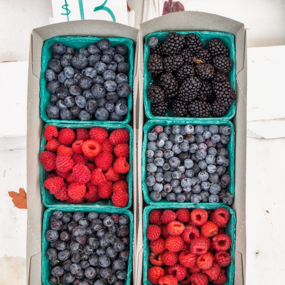Berries-at-the-Hollywood-Farmers-Market