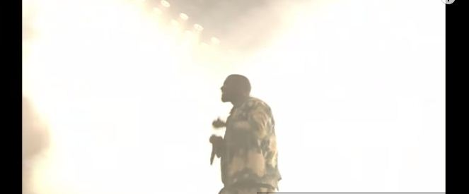 kanye west covers bohemian rhapsody by queen during Glastonbury