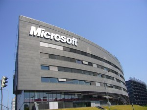 Microsoft_logo_on_building