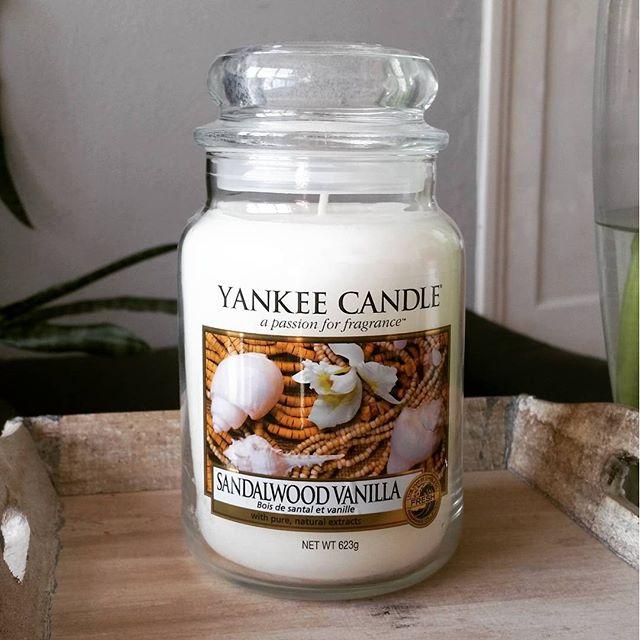 Yankee Candle Sandalwood Vanilla