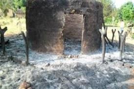 Koubia:un mort et plusieurs cases consumées dans un incendie