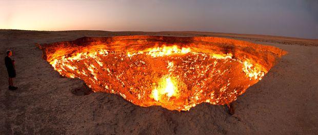 Kawah Darvasa di Turkmenistan
