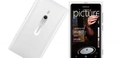Valge Nokia Lumia 800