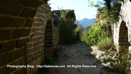 This ia an unrepaired original Great Wall Beijing suburb, China travel. Photo by KaKa.