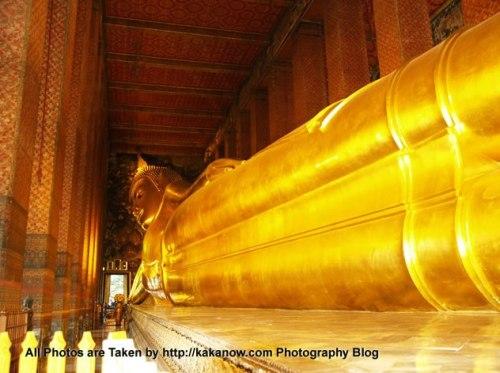 Thailand travel, Bangkok, Wat Pho, Temple of Reclining Buddha. Photo by KaKa.
