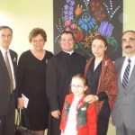 Fr. Tamás with members of the parish and diplomats from the Hungarian embassy (C. Adam)
