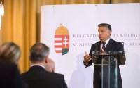 Orbán eligazított