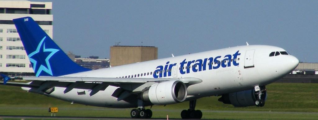 Egy Air Transat éppen felszáll a montreáli Trudeau repülőtéren.