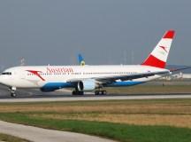 Austrian Airlines járat a bécsi reptéren.