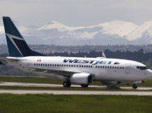 Egy WestJet gép Calgary-ban.