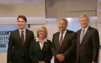 Kormányfő-jelöltek (balról): Justin Trudeau (Liberális), Elizabeth May (Zöld), Tom Mulcair (Új Demokrata), Stephen Harper (Konzervatív).