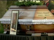Göncz Árpád temetésén több ezren énekeltek