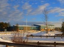 La Loche közösségi középiskolája, ahol öten haltak meg a pénteki lövöldözésben.