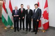 Szijjártó Péterrel ünnepeltek a kanadai liberálisok Ottawában