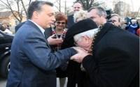 Orbán üveggyöngyöt szór a nyuggerek elé