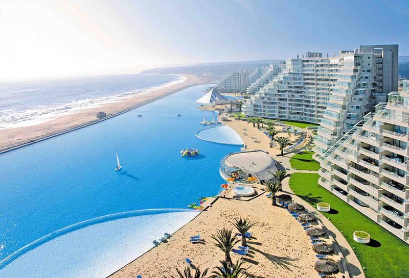 La piscine la plus grande du monde