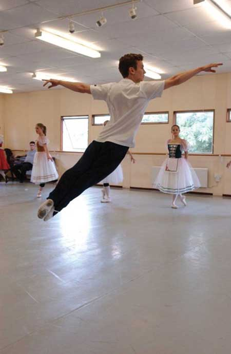 Durrant rehearses for the ballet Giselle – Courtesy of Alex Durrant