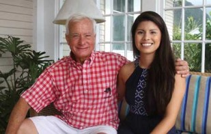 Itzel Contreras Mendez (right) interviews Mayor Kirk Caldwell (left) about his personal life and millennials' involvement in politics – Ka 'Ohana News Staff