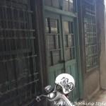 台南の歩き方 裏路地に入ってみる。ふつうの家の古い扉が可愛い