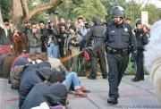Lt_Pike_Pepperspraying_Students_UC_Davis