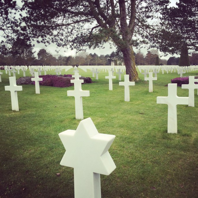 jewish and christian graves together, star of david gravestone, beaches of normandy, D-Day