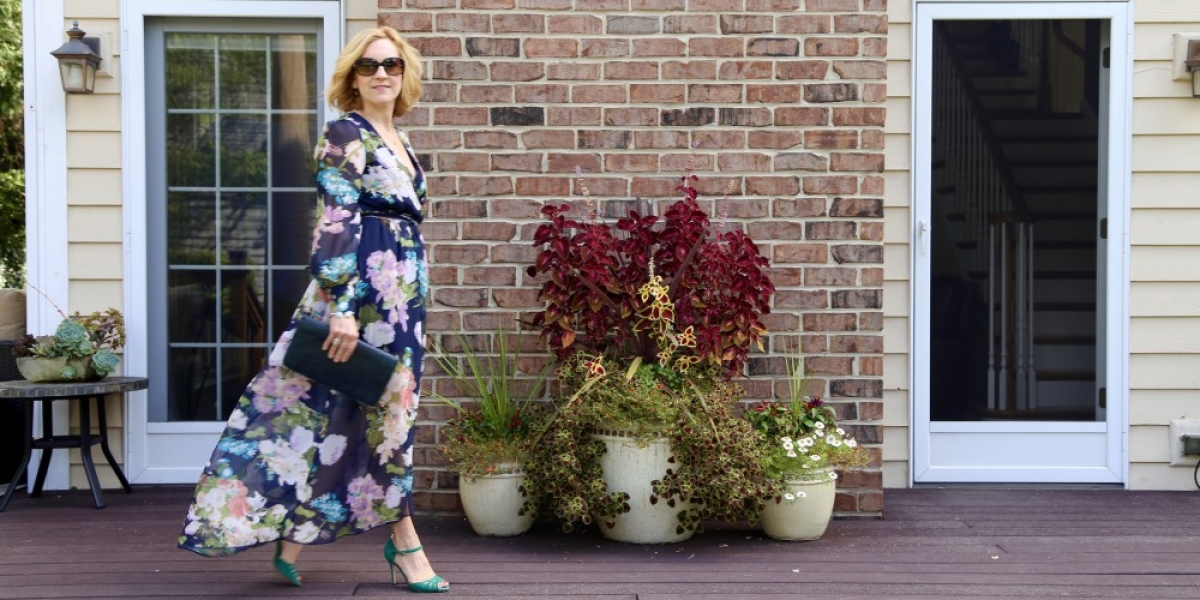 Sharing a dark floral dress which is all about the drama.