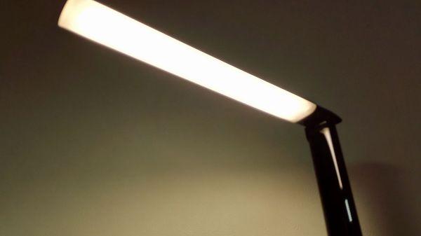 aukey-led-desk-lamp(lLT-T10)032